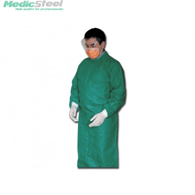 DISPOSABLE SURGICAL GOWNS green - sterile